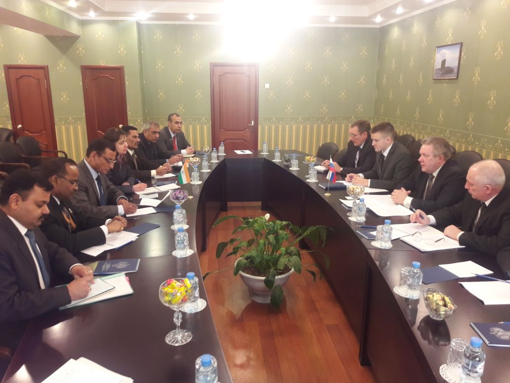 DG SIDM interacting with Mr Oleg Ryazantsev, Deputy Minister for Industry & Trade of the Russian Federation